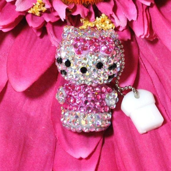 Hello Kitty na USB