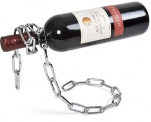 Stojak na wino w kształcie łancucha